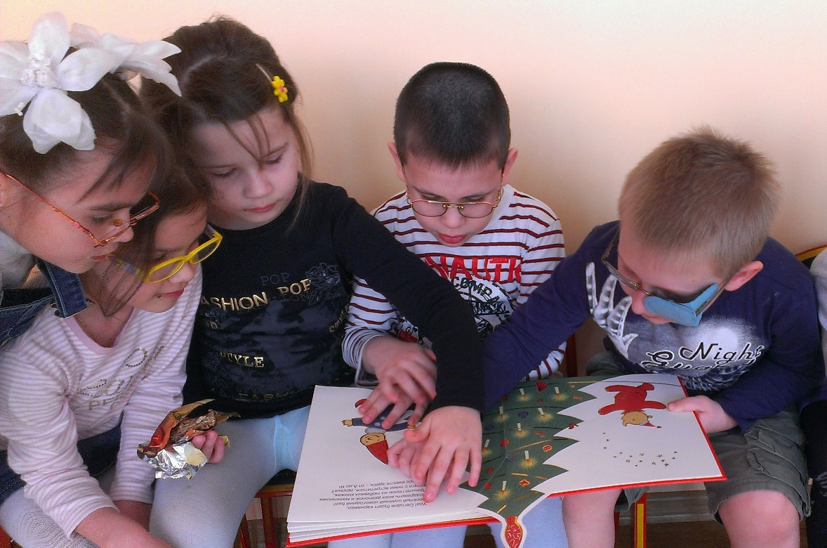 The officers of  SRO Edinstvo Association takes part in Book for Gift Charity Program